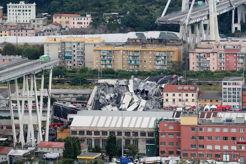 At least 22 killed in Italy as motorway bridge collapse