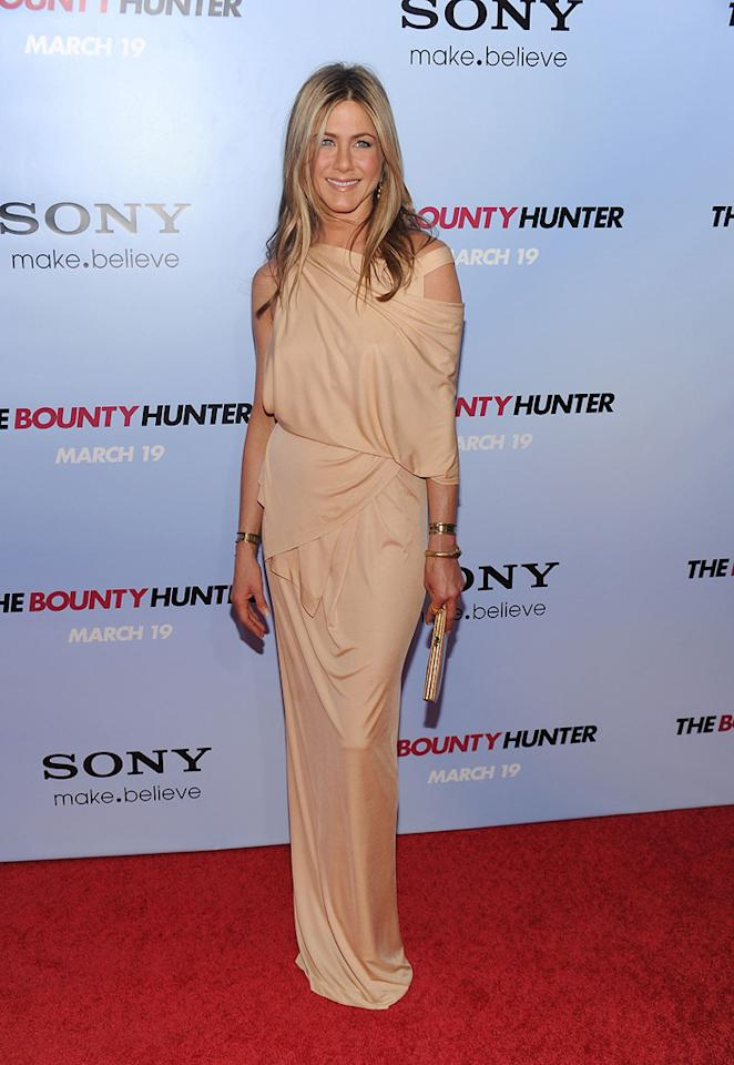 "<a href=""http://movies.yahoo.com/movie/contributor/1800021397"">Jennifer Aniston</a> at the New York City premiere of <a href=""http://movies.yahoo.com/movie/1810129411/info"">The Bounty Hunter</a> - 03/16/2010"