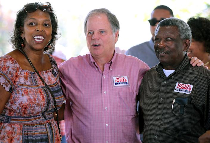 Alabama Democrat Doug Jones is showingsome love to the black community in his Senate race against Republican Roy Moore. (Photo: Mike Kittrell/Reuters)