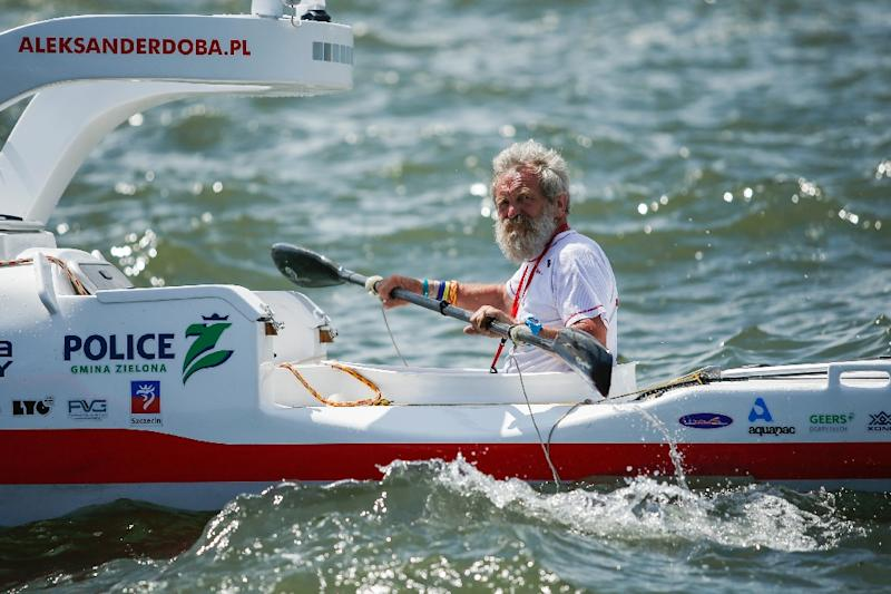 Polish kayaker Aleksander Doba is aiming to complete his crossing from New York to Portugal in time to celebrate his 70th birthday on firm ground in September (AFP Photo/Eduardo Munoz Alvarez)