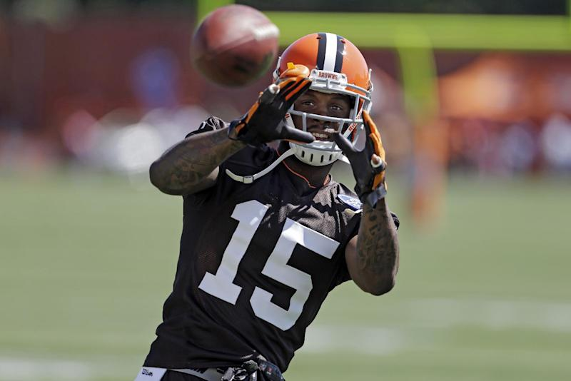 Browns' Bess charged in Fla. with officer assault