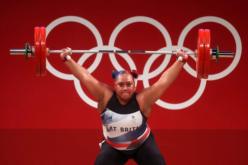 <p>Emily Campbell performed an incredible 161kg clean and jerk and walked away with a silver medal in this +87kg category. This makes her the first British female Olympic weightlifting medallist.</p>