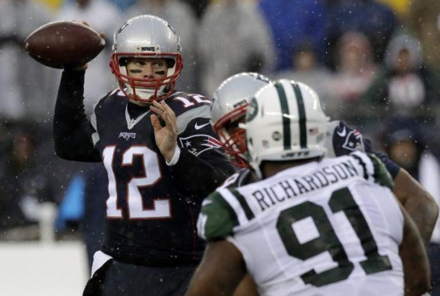 Tom Brady and the Patriots have won six in a row. (AP)