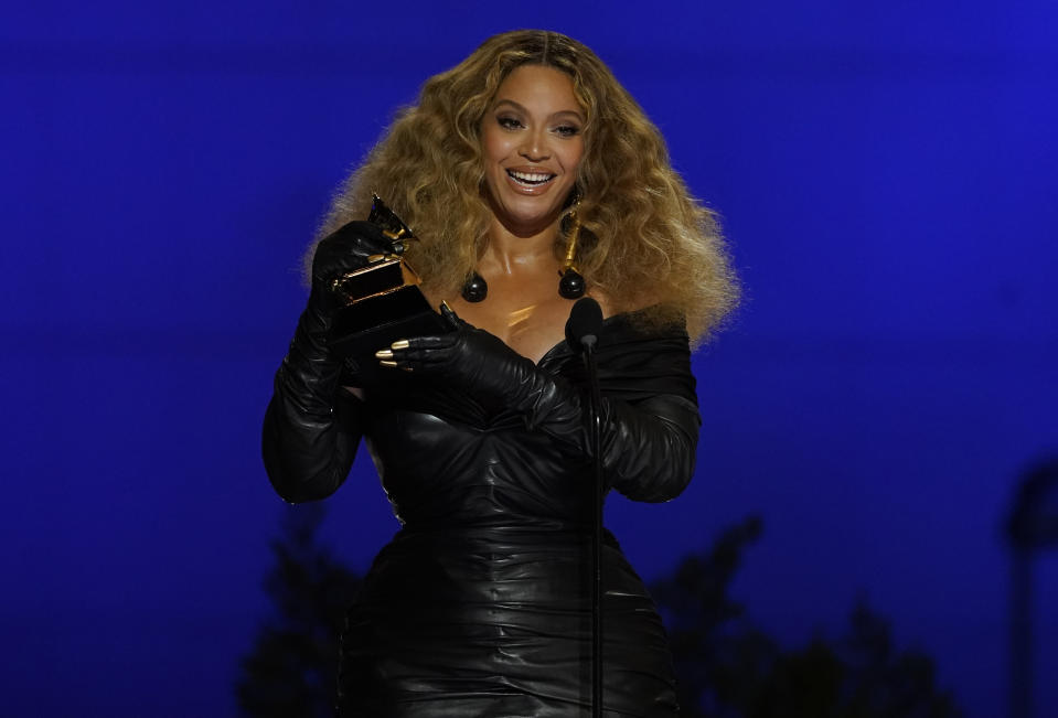 Beyoncé ai Grammy Awards. (AP Foto/Chris Pizzello)