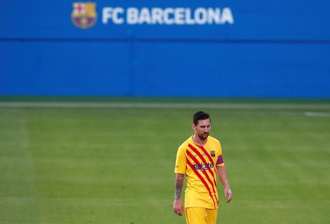 Argentina coach glad Messi resolved Barcelona issues
