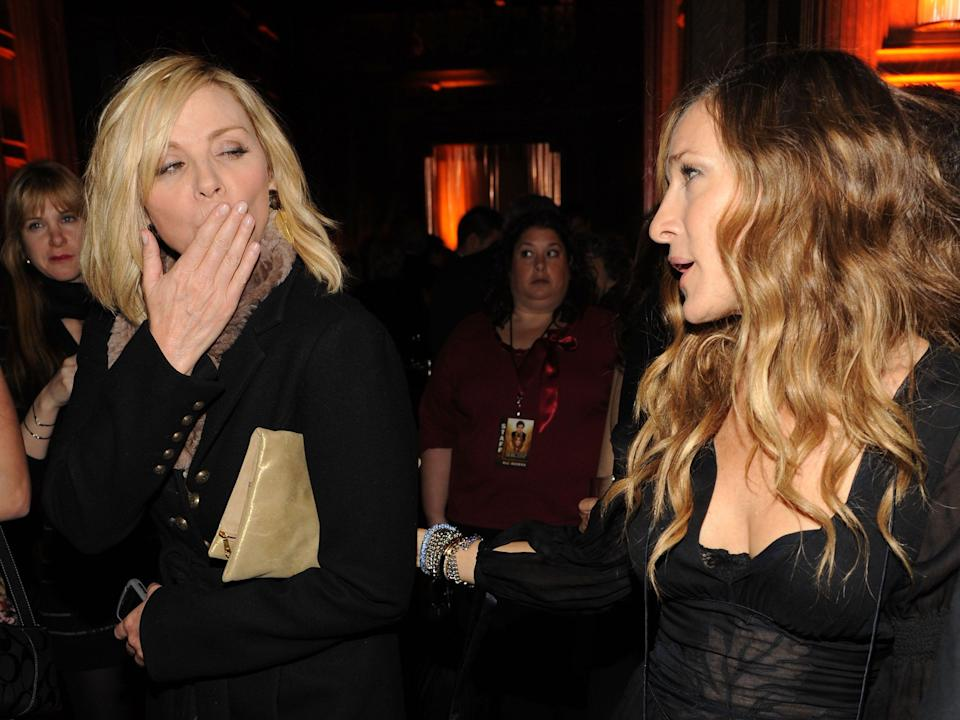 sarah jessica parker kim cattrall sex and the city blowing kiss
