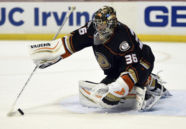 When will the Anaheim Ducks pick a playoff starting goaltender?