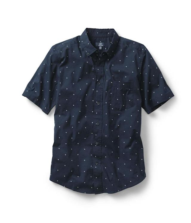 <p>Men's short sleeve shirt, available in select Walmart stores. (Photo: Courtesy of Walmart) </p>