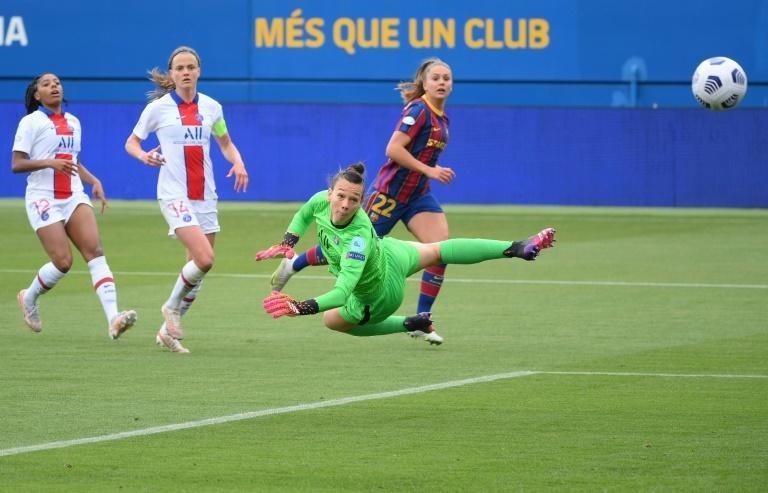 Lieke Martens scored both goals for Barcelona in the second leg of their semi-final against PSG