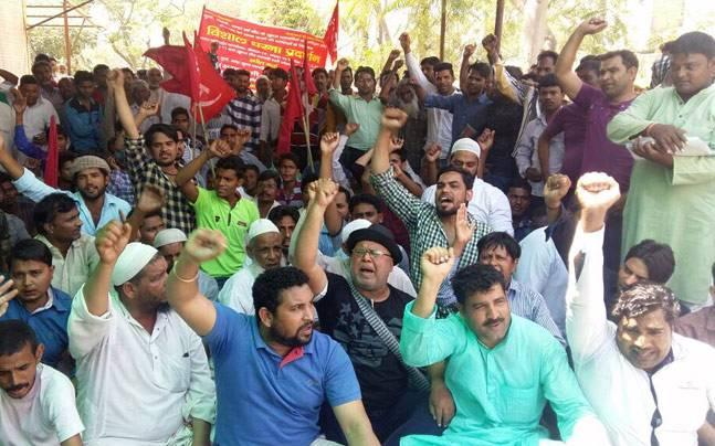 Noida: Meat shop owners stage protest against crackdown on illegal slaughter houses