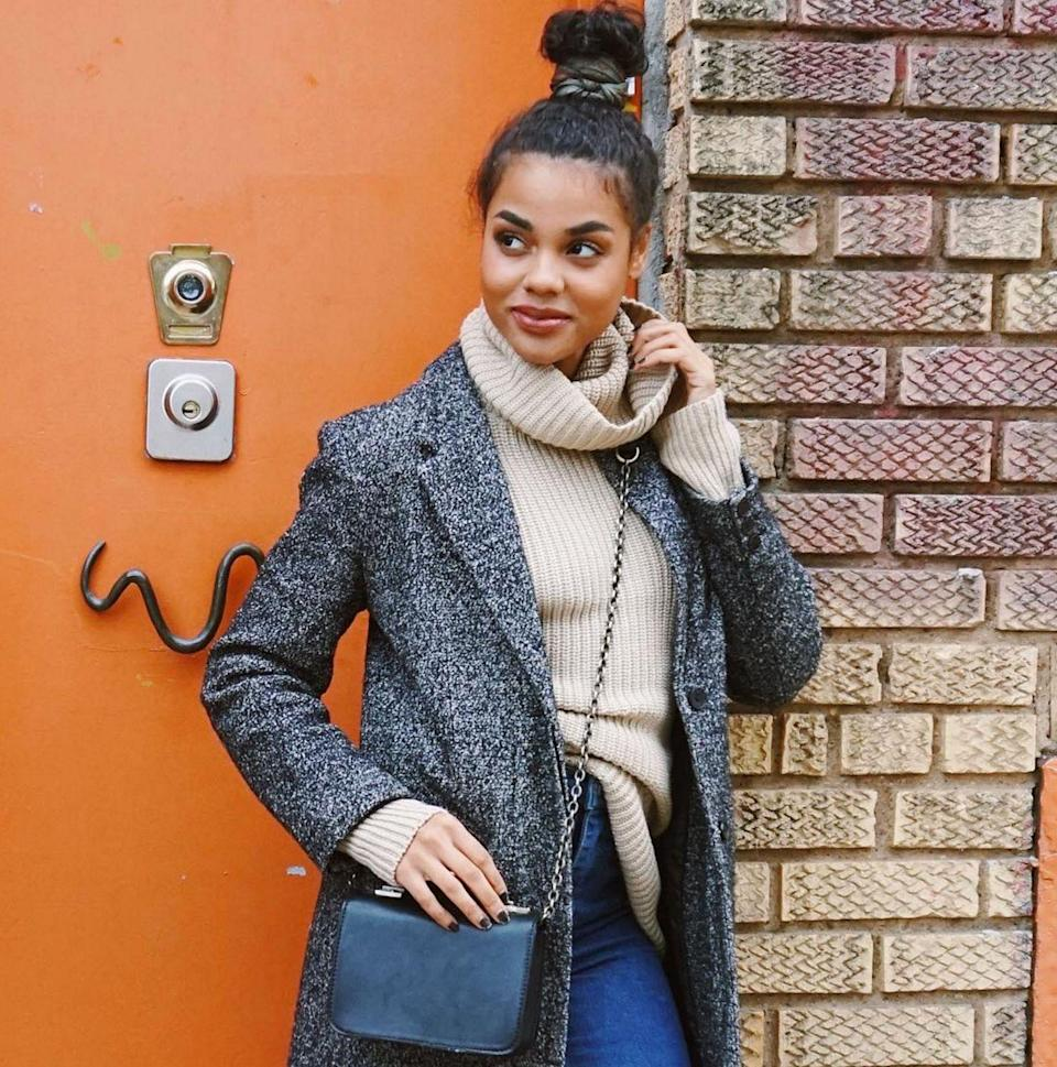 """<p><strong>The '90s Topknot</strong></p><p>(Too) many men like to sport a topknot and we're pretty certain it's not a good look. We're happy to leave the man bun firmly in 2015. On a woman, however, a topknot is elegant and easy. A few days ago wardrobe stylist and blogger <a href=""""https://www.instagram.com/ericalave/"""" rel=""""nofollow noopener"""" target=""""_blank"""" data-ylk=""""slk:Erica Lavelanet"""" class=""""link rapid-noclick-resp"""">Erica Lavelanet</a> showed off the perfect high bun. If only our baby hairs were so well behaved...</p><span class=""""copyright"""">Photo: via @ericalave.</span>"""