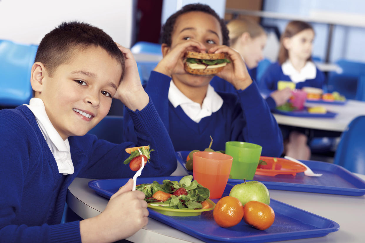Eating fruit and veg at lunchtimes means a better afternoon for children. (Getty Images)