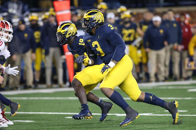 """Michigan defensive lineman <a class=""""link rapid-noclick-resp"""" href=""""/ncaaf/players/271097/"""" data-ylk=""""slk:Rashan Gary"""">Rashan Gary</a> (3) is leaving school early to pursue a pro career. (Getty Images)"""