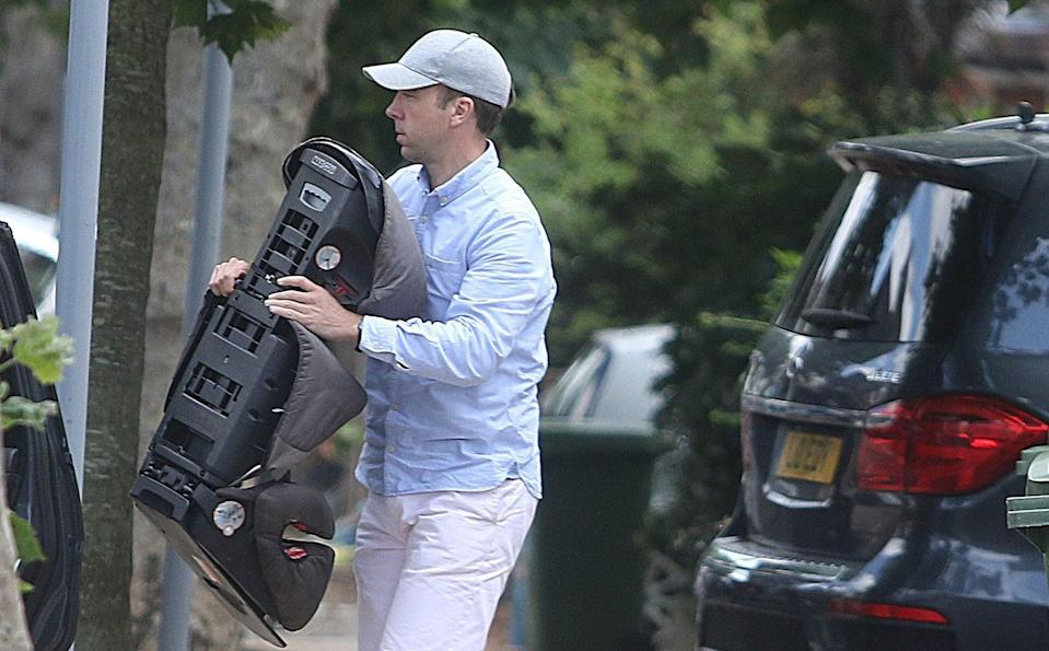 Matt Hancock is seen moving his belongings out of his family home - Greg Brennan