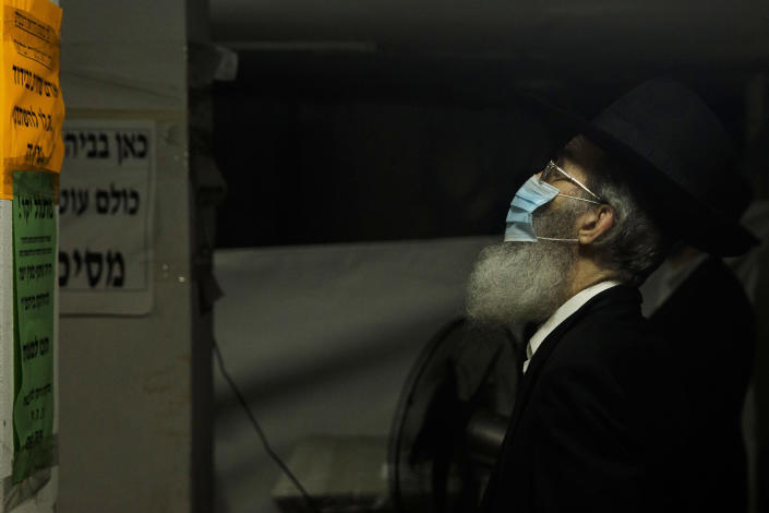 Image: Ultra Orthodox Jewish man prays (Amir Levy / Getty Images)