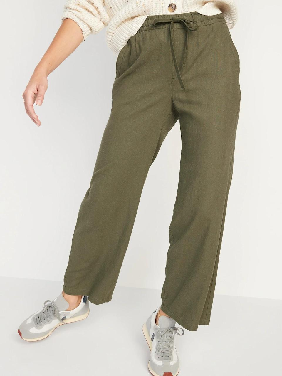 <p>Drawstring <span>Old Navy High-Waisted Linen-Blend Wide-Leg Pants</span> ($30, originally $35) are an extra-comfy pick for fall - there are no zippers or buttons here!</p>