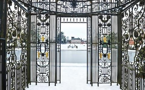 The Birdcage, Basin and view to Melbourne Hall in winter - Credit: Andrea Jones