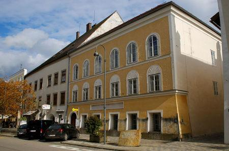 FILE PHOTO:The house in which Adolf Hitler was born is seen in Braunau am Inn, Austria, October 22, 2016.    REUTERS/Leonhard Foeger /File Photo