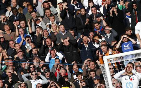 Tottenham Hotspur's Roberto Soldado and fans react after his header was saved by Newcastle United's Tim Krul during their English Premier League soccer match at White Hart Lane in London November 10, 2013. REUTERS/Eddie Keogh