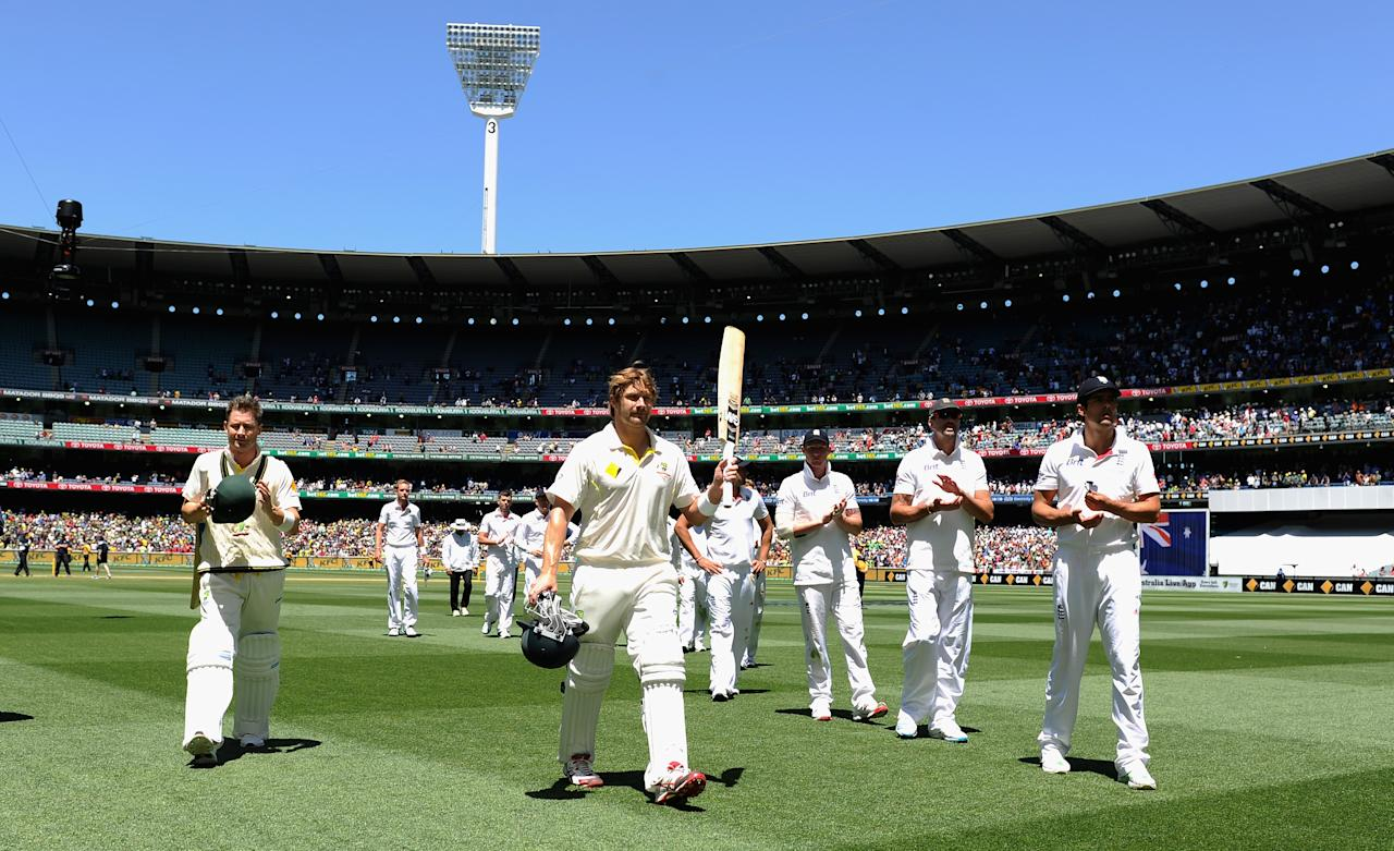 MELBOURNE, AUSTRALIA - DECEMBER 29:  Shane Watson of Australia salutes the crowd after winning the Fourth Ashes Test Match between Australia and England at Melbourne Cricket Ground on December 29, 2013 in Melbourne, Australia.  (Photo by Gareth Copley/Getty Images)