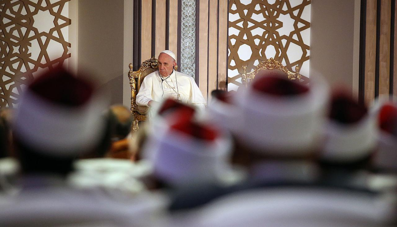 <p>Pope Francis meets with the Grand Imam of al-Azhar Mosque, Ahmed al-Tayeb (unseen), during the al-Azhar International peace conference in Cairo, April 28, 2017. (Alessandro Bianchi/Reuters) </p>