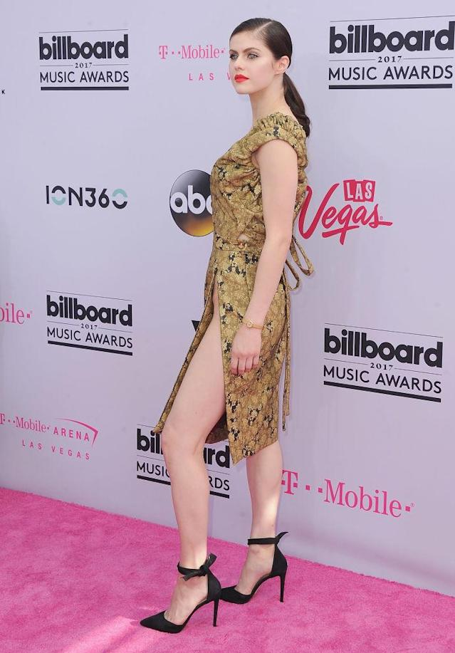 Alexandra Daddario in Vivienne Westwood. (Photo: Getty Images)