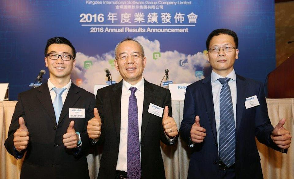 Kingdee founder and CEO Xu Shaochun (centre) with Steve Zhang (left), general manager, and Lin Bo, chief financial officer, at Conrad Hong Kong in Admiralty on March 16, 2017. Founded as an accounting software company in the early 1990s, Kingdee has become China's top enterprise cloud service provider. Photo: Xiaomei Chen