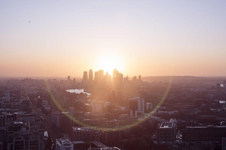 <p>You don't have to hike up a mountain or be on the beach to witness the first light of day in all its glory. City skylines, like this one in London, can be just as beautiful as any scenic resort.</p>