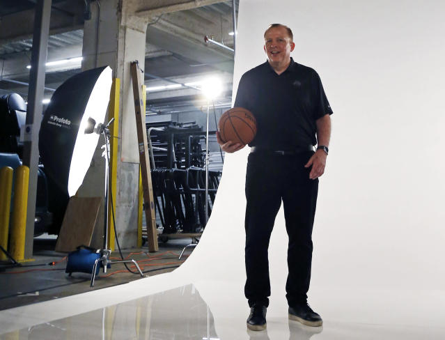 """<p>Cameraman: """"<a href=""""https://sports.yahoo.com/tom-thibodeau-jimmy-butler-minnesota-timberwolves-trade-glen-taylor-karl-anthony-towns-andrew-wiggins-saga-174209972.html"""" data-ylk=""""slk:Act like your entire organization isn't going up in flames.;outcm:mb_qualified_link;_E:mb_qualified_link;ct:story;"""" class=""""link rapid-noclick-resp yahoo-link"""">Act like your entire organization isn't going up in flames.</a>""""<br>Tom Thibodeau: """"I'm not trading Jimmy Butler."""" [poses]<br>(AP) </p>"""