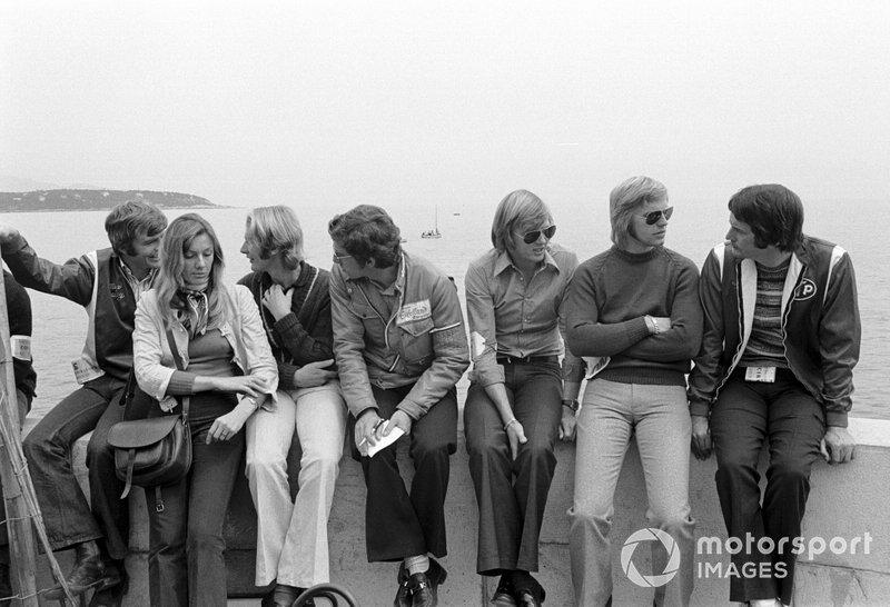 """Max Mosley, Helmut Marko, Rolf Stommelen, Ronnie Peterson, Reine Wisell y Robin Herd<span class=""""copyright"""">Sutton Motorsport Images</span>"""