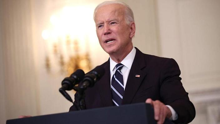 President Joe Biden speaks about combatting the coronavirus pandemic in the State Dining Room of the White House on September 9, 2021 in Washington, DC. (Photo by Kevin Dietsch/Getty Images)