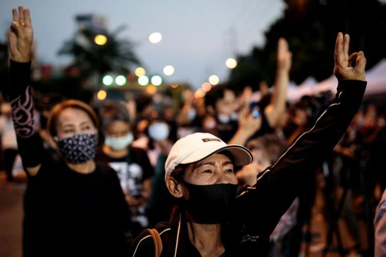 Thailand's pro-democracy protesters have vowed to return to the streets after a deadline for Premier Prayut to resign was ignored