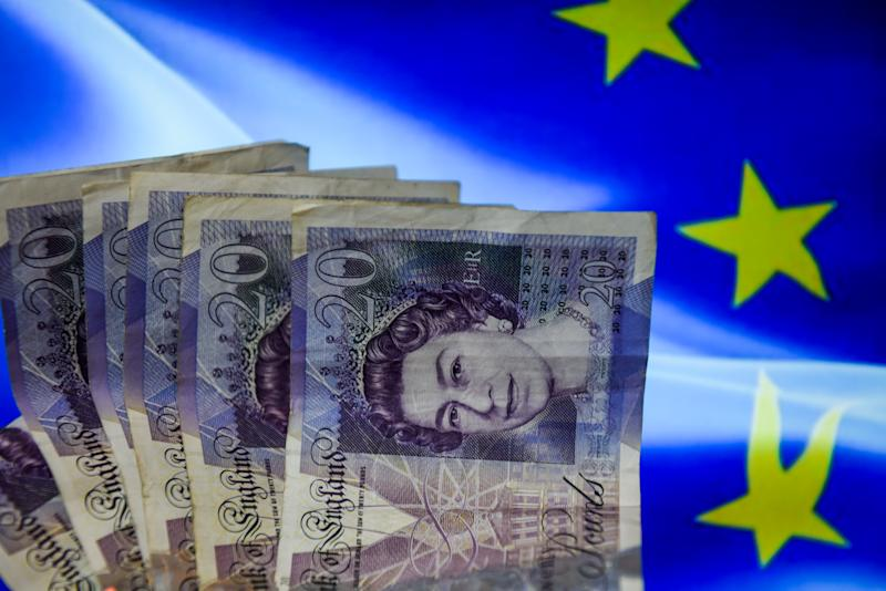 Brexit delay agreement pushes pound higher