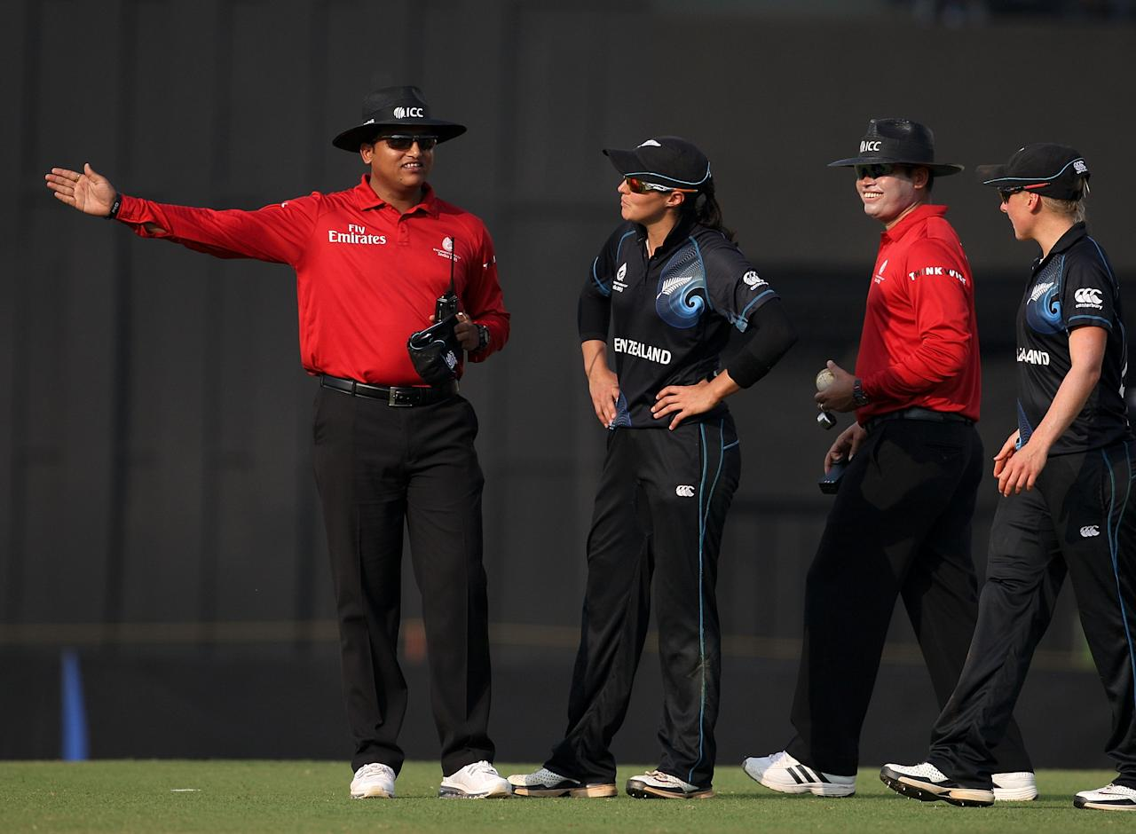 MUMBAI, INDIA - FEBRUARY 13: Umpire Vineet Kulkarni calls a DRS no ball after Suzy Bates of New Zealand had taken a wicket during of the Super Sixes ICC Women's World Cup India 2013 match between New Zealand and England at the Cricket Club of India ground on February 13, 2013 in Mumbai, India. (Photo by Graham Crouch/ICC via Getty Images)