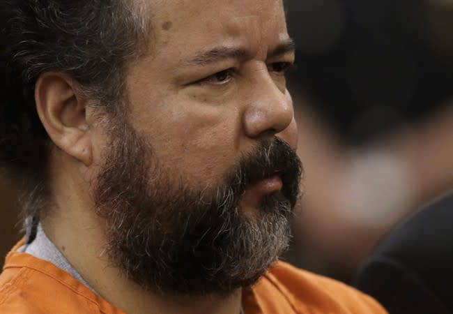 Cleveland kidnapper Ariel Castro pleads guilty, will avoid the death penalty