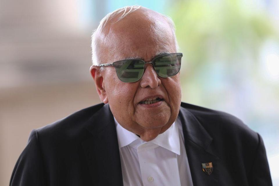 In his counter-affidavit filed at the High Court yesterday, former Federal Court judge Datuk Seri Gopal Sri Ram said he never told Apandi that he was a messenger for Dr Mahathir who allegedly wanted Najib arrested. — Picture by Yusof Mat Isa