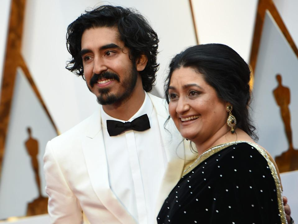 Dev Patel and his mother Anita at the 2017 Oscars.