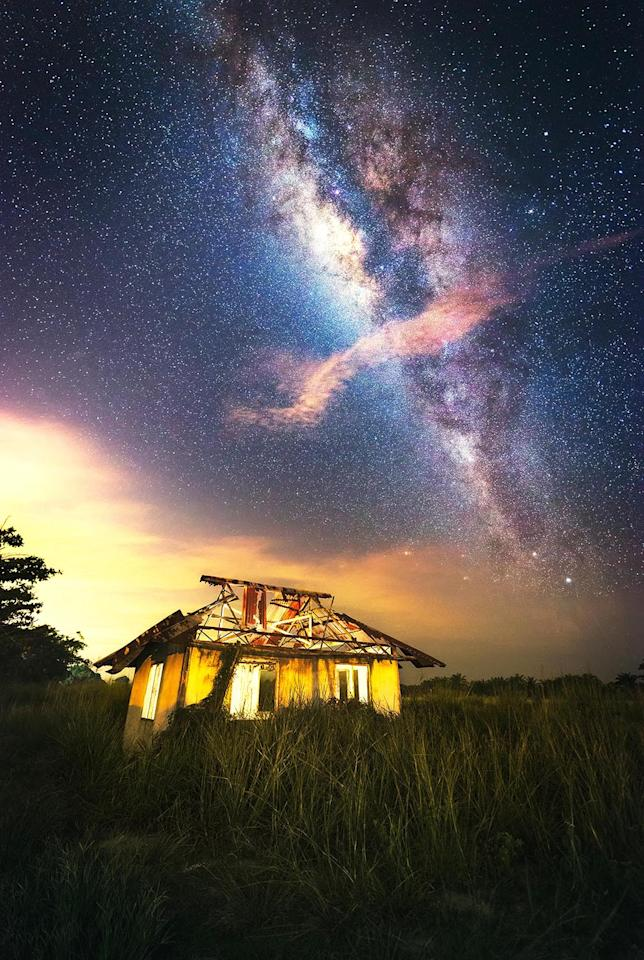 <p>A view of the Milky Way in Batu Pahat, Malaysia. (Photo: Grey Chow/Caters News) </p>