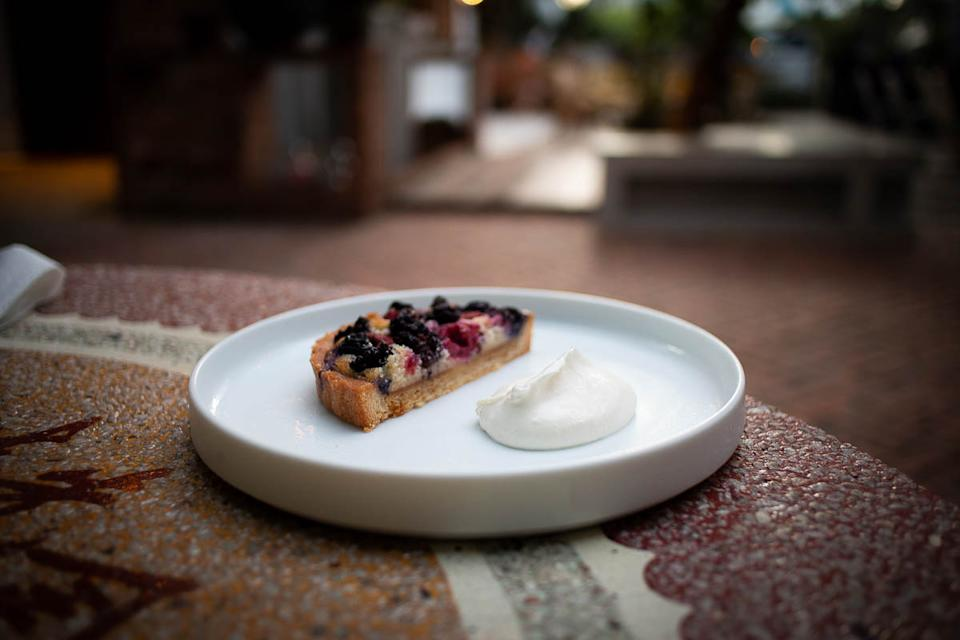 Rum Berry Tart (PHOTO: Zat Astha/Yahoo Lifestyle SEA)