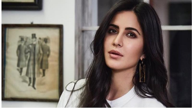 Katrina Kaif Looks Chic In Her New Instagram Post But It Is Her 'Waffle Heart' Tee That Steals The Limelight! (View Pic Inside)