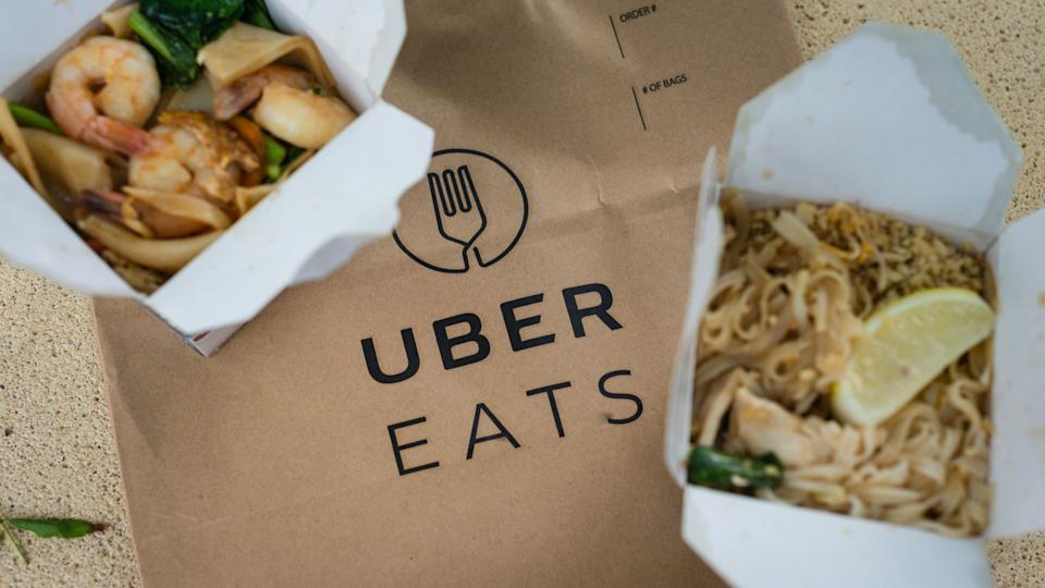 Uber to give free rides and meals to NHS staff