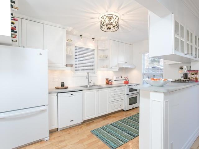 "<p><a rel=""nofollow"" href=""https://www.zoocasa.com/toronto-on-real-estate/5105224-224-browning-ave-toronto-on-m4k1x2-e4051817"">224 Browning Ave., Toronto, Ont.</a><br /> The kitchen comes with the stove and dishwasher (both only a year old) and a fridge.<br /> (Photo: Zoocasa) </p>"