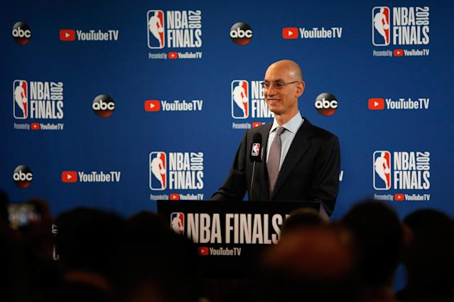 The NBA has reportedly informed teams of the salary cap it will set for the 2019-20, 2020-21 seasons. (Getty Images)