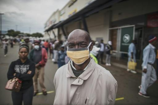 South Africa has been under lockdown since last Friday, but people still leave to leave their homes to collect social security