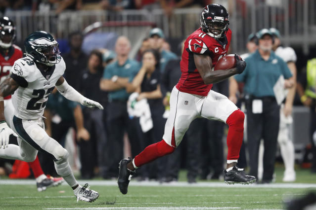 Atlanta Falcons wide receiver Julio Jones (11) scored the game-winning touchdown against the Eagles. (AP)