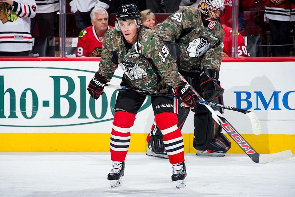 CHICAGO, IL - NOVEMBER 11: Jonathan Toews #19 of the Chicago Blackhawks warms up in a camo jersey commemorating Veterans Day prior to the game against the Washington Capitals at the United Center on November 11, 2016 in Chicago, Illinois. (Photo by Bill Smith/NHLI via Getty Images)