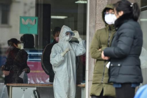 The death toll has risen to 26 and the number of cases has topped 800, most of them in Wuhan
