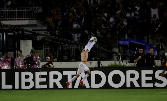 Soccer Football - Vasco v Jorge Wilstermann - Copa Libertadores - Sao Januario stadium, Rio de Janeiro, Brazil - February 14, 2018 Rildo of Vasco celebrates after scoring REUTERS/Ricardo Moraes