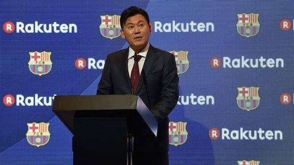 ​Barcelona's home kit for the upcoming 2017/18 season has been 'leaked' by ​FootyHeadlines. The new design will be the first that features sponsorship from Japanese company Rakuten, who will displace former sponsor Qatar Airways. The deal, which is set to run for four years, is worth €55m-a-year with bonuses of €1.5m and €5m if Barcelona secure La Liga or Champions League titles. In total the Catalan club will net €220m over four years, making it the second biggest sponsorship deal of all-time...