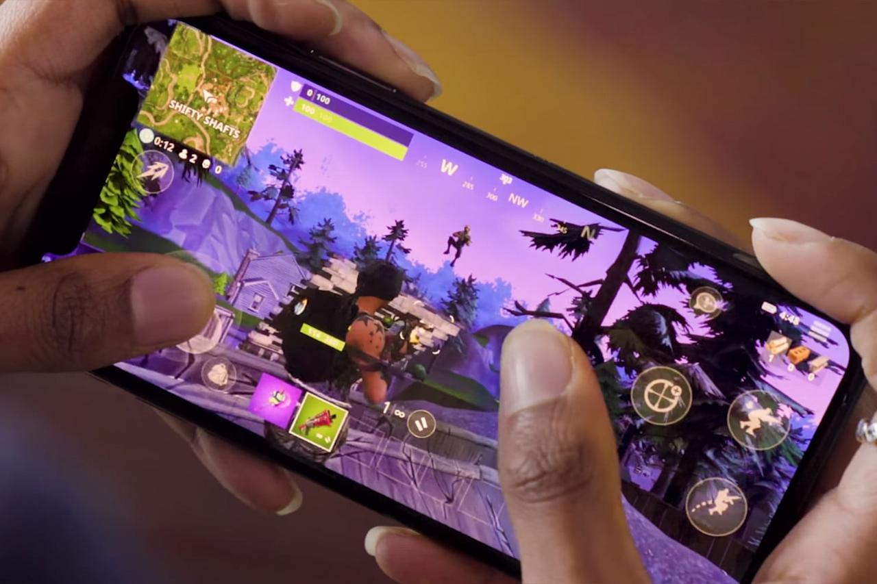 iPhone gamers may want to delay upgrading to iOS 13, as it makes Fortnite and PUBG Mobile unplayable. The issue is caused by a new text-editing gesture.